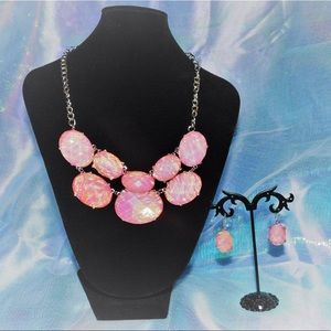 Gorgeous Pink Gem Necklace Set